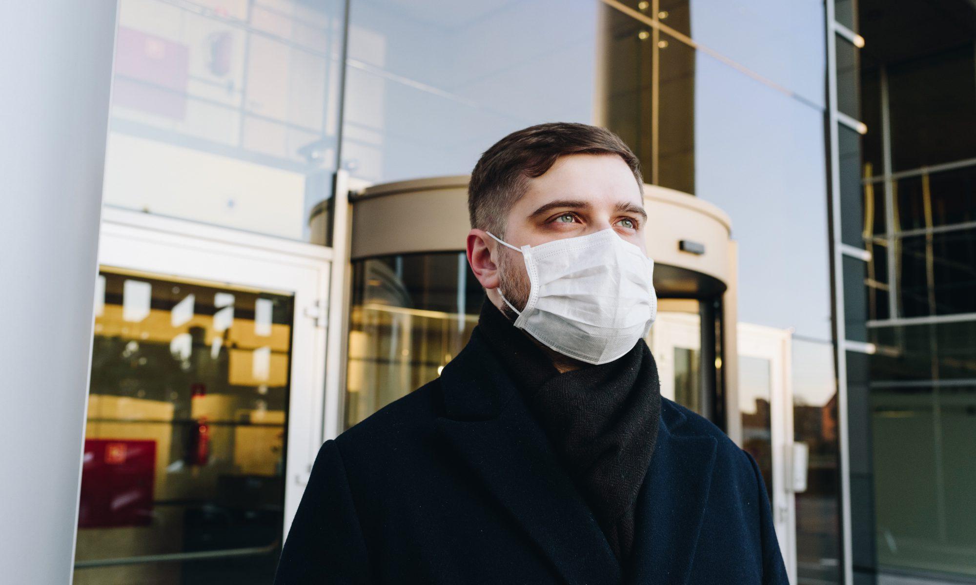 Maske tragen im Unternehmen